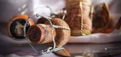 Kuredu Gifts - Champagne Bottle